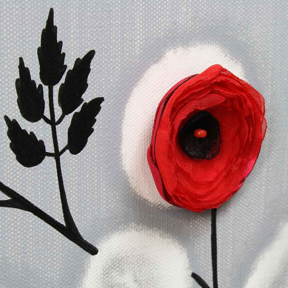 details of wall art gray and red climbing flowers