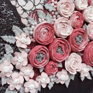 Sculpted Floral Rose Bouquet in Gray and Pink