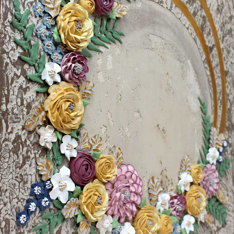 Center view of rustic wedding floral art