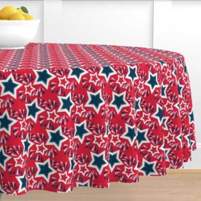 Round tablecloth in red stars for 4th of july